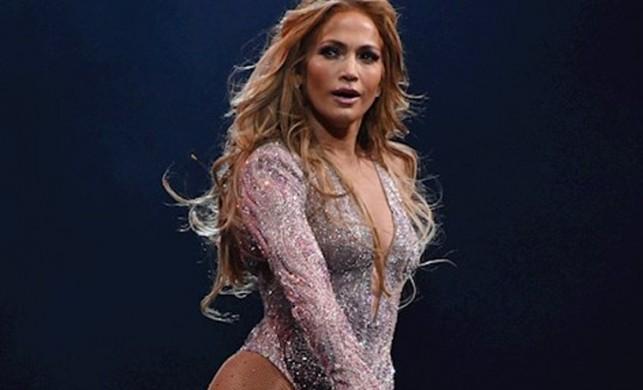 Jennifer Lopez mutluluktan ağladı