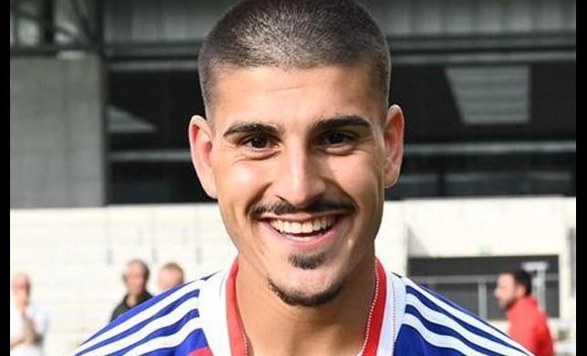 Inter ve Bayern Münih'in takip ettiği 18 yaşındaki gurbetçi futbolcu Mehmet Manis'e Galatasaray da talip