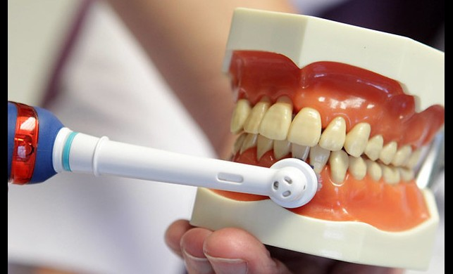 Diş röntgeni ne kadar zararlı? Diş röntgeni radyasyon yayar mı?