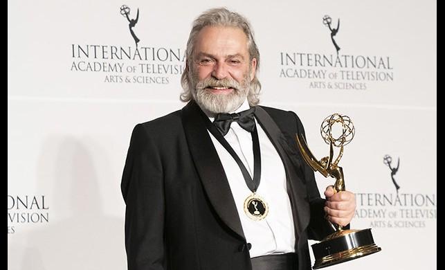 Çukur dizisinde Emmy ödülü alan Haluk Bilginer sürprizi
