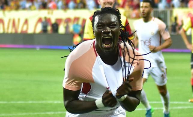 Ocak ayında Arabistan kariyerine nokta koyacağı iddia edilen Bafetimbi Gomis Galatasaray'a geliyor