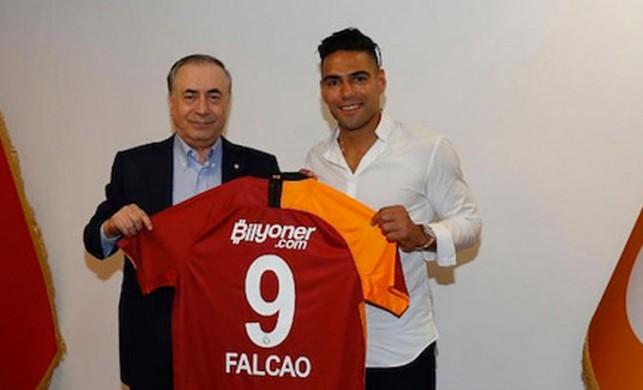 Kolombiya'dan Mustafa Cengiz'e yalanlama: Falcao ayrılma kararı aldı!