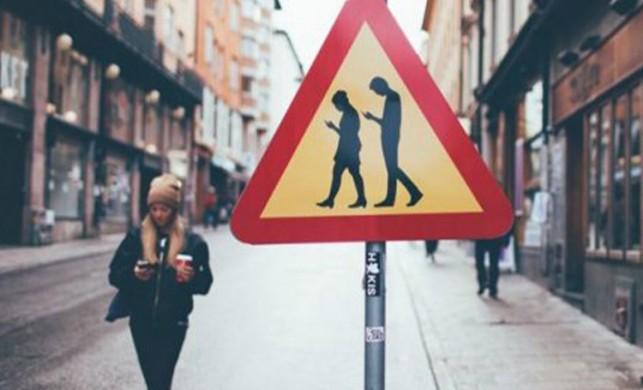Akıllı telefonlar kaza oranlarını dikkat dağınıklığını arttırıyor!
