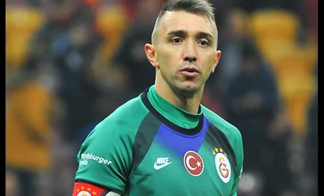 Galatasaray kaptanı Fernando Muslera, Avrupa'nın iki numarası