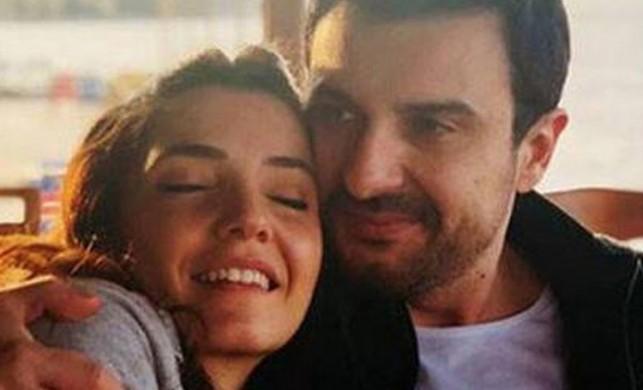 2016'da evlenmişti... Ünlü şarkıcı Gökhan Tepe ve eşi Aylin Özer bebekleri Denizhan'ı kucağına aldı