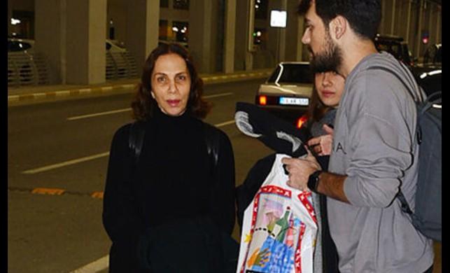 Sertab Erener makyajsız fotoğrafını çeken magazin muhabirlerine sinirlendi