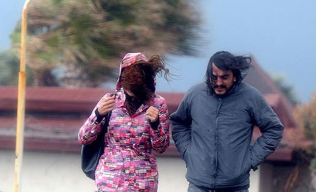 İstanbul'da hava durumu nasıl olacak? Meteoroloji'den hafta sonu için fırtına ve şiddetli yağış uyarısı