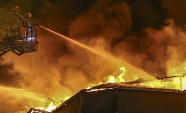 Son dakika... İstanbul'da iki fabrikada yangın!