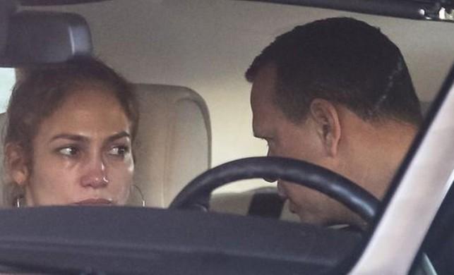 Alex Rodriguez, Jennifer Lopez'i ağlattı