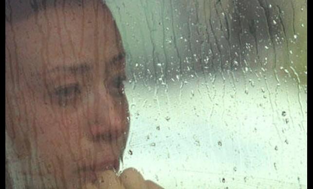 Antalya'daki yoğun yağış sonrası mahsur kalan kadın öğretmeni polis ekipleri kurtardı
