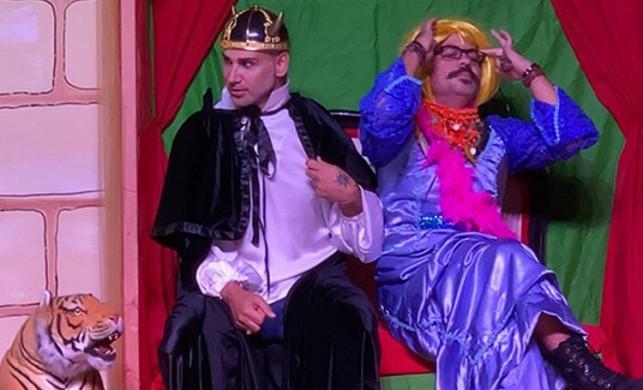 Şarkıcı Doğuş, Shakespeare'in Hamlet'i ile sahnelere geri dönüyor