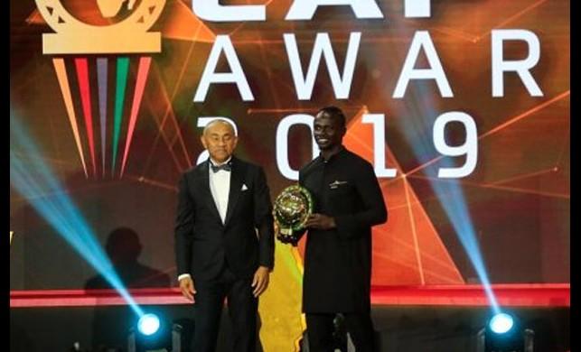 Yılın futbolcusu seçilen Sadio Mane yine mütevazı davrandı: Ben kral değilim