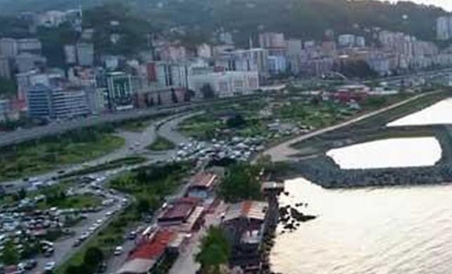 Jeoloji Mühendisi Prof. Dr. Osman Bektaş: Deniz erozyonuna uğrayan binalar depremde yıkılma riski taşıyor