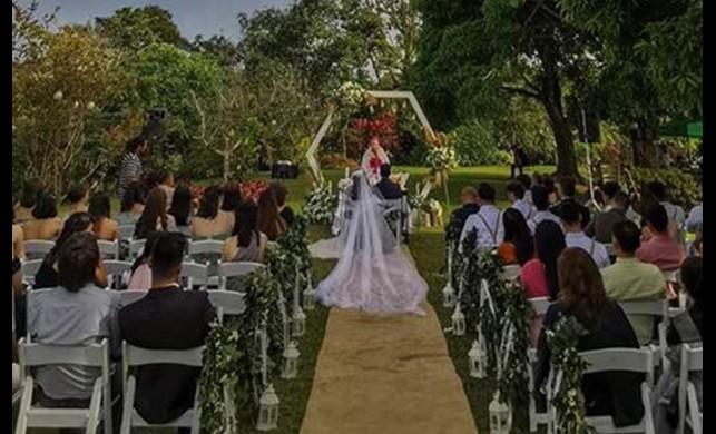 Filipinler'de Taal Yanardağı patladı, Patlama düğün fotoğrafına yansıdı