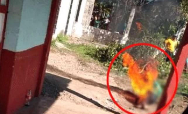 Küçük kıza cinsel istismarda bulunan adamı köylüler benzin dökerek yaktı!