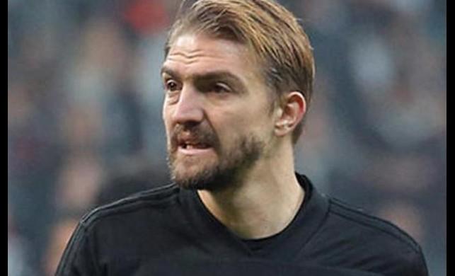 Beşiktaş'ın tecrübeli yıldızı Caner Erkin'i Yunanistan takımı AEK yakın takibe aldı