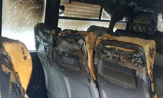 Beylikdüzü'nde öğrenci servisinde yangın çıktı. Faciadan dönüldü