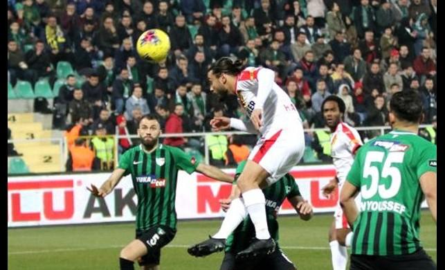 Haftanın kapanış maçında Denizlispor ile Göztepe 1-1 berabere kaldı