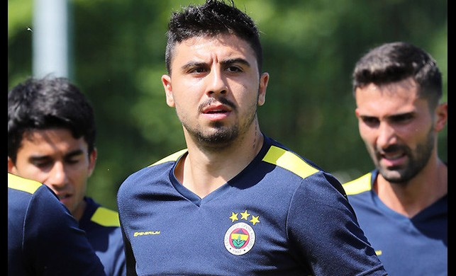 Fenerbahçe'de Ozan Tufan'a 3 kulüp talip oldu | Fenerbahçe transfer haberleri