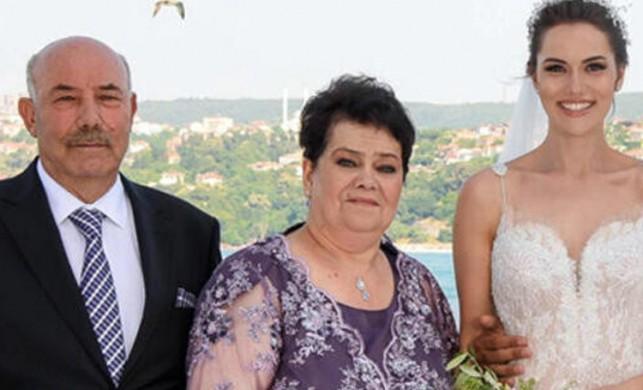 Ünlü oyuncu Fahriye Evcen'in babası Ramazan Evcen hayatını kaybetti!