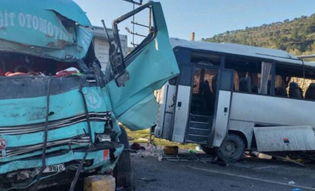 Son dakika! İzmir'de korkunç kaza: 4 ölü, 8 yaralı