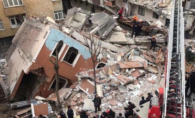 İstanbul Bahçelievler'de 7 katlı bina çöktü! Binanın çökme nedenini belediye başkanı açıkladı...