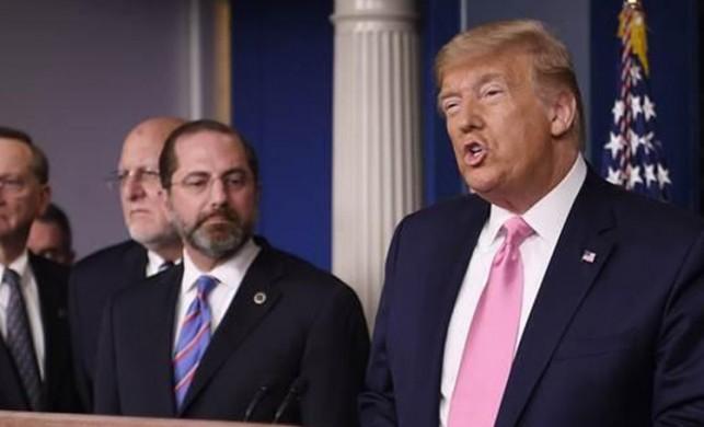 ABD'deki koronavirüs toplantısında Trump başka Sağlık Bakanı başka konuştu