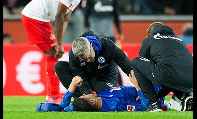 Schalke 04'te forma giyen milli oyuncumuz Ozan Kabak sakatlığı nedeniyle 12 hafta sahalardan uzak kalacak