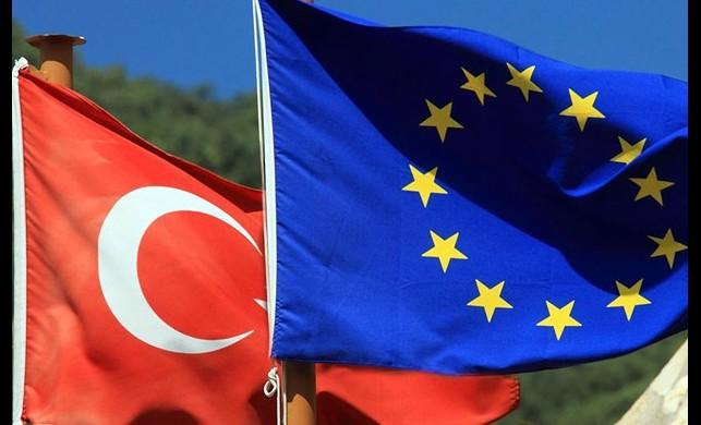 Dışişleri Bakanlığı: Uçuş yasağı olan 9 Avrupa ülkesindeki Türkler salı günü saat 23.59'a kadar dönebilir
