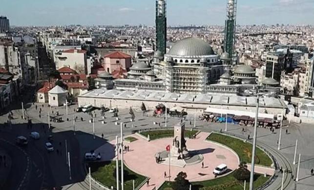 İstanbul'un eski görüntüsünden eser yok! Sokaklar bomboş!