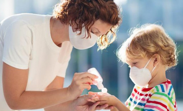 Uzmanlar uyarıyor: 'Koronavirüse karşı evde de sosyal mesafeyi koruyun'