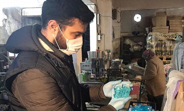 İstanbul Gaziosmanpaşa'da düzenlenen sahte dezenfektan operasyonunda 1 kişi gözaltına alındı