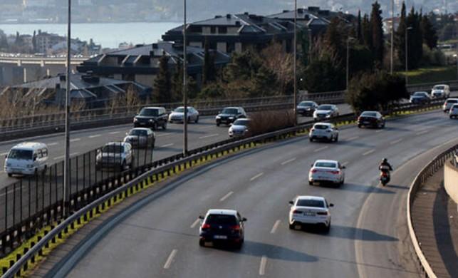 Koronavirüs İstanbul trafiğini eritti