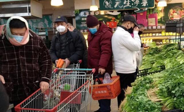 Çin'de perakende sektörünün yüzde 90'ı kapılarını açtı