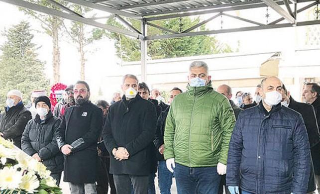 Koronavirüsten öldü iddiası... Maskeli cenaze
