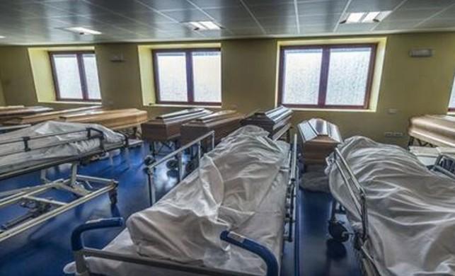 İtalya'da 3 bin 405 kişi hayatını kaybetti