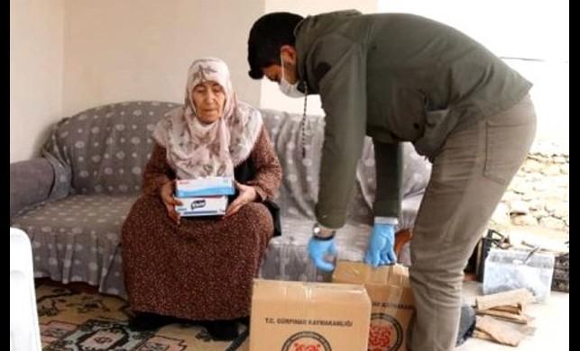 Koronavirüs önlemleri kapsamında evden çıkmayan 65 yaş üstü vatandaşa evde yardım hizmeti