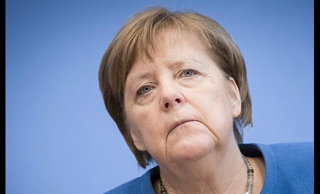 Almanya Başbakanı Merkel'e yapılan ikinci koronavirüs Kovid-19 testi de negatif çıktı