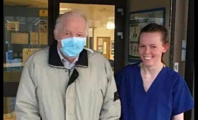 91 yaşındaki Türk başarmıştı... 87 yaşındaki Ewart Lockton da koronavirüsü yenip taburcu oldu