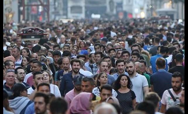 Yasaklar açıkladı: Türkiye'de 20 yaş altı ve 65 yaş üstü 34.4 milyon kişi sokağa çıkamayacak