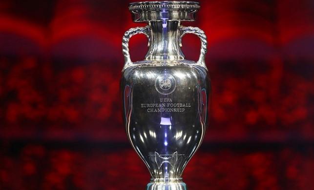 UEFA'dan flaş karar! EURO 2020 ev sahibi şehirleri değişmeyecek...