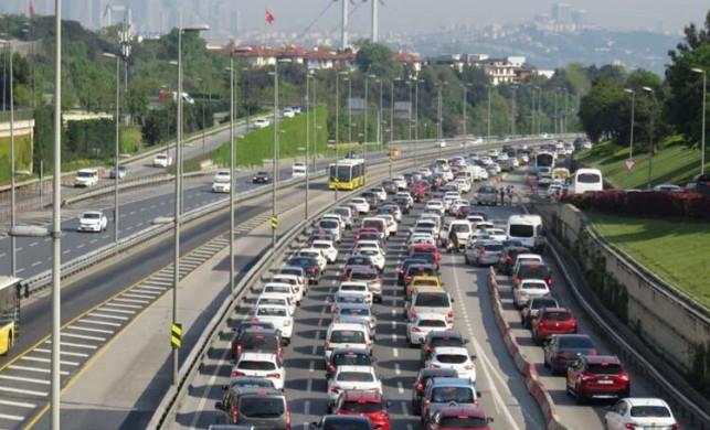 15 Temmuz Şehitler Köprüsü'nde trafik durma noktasına geldi!
