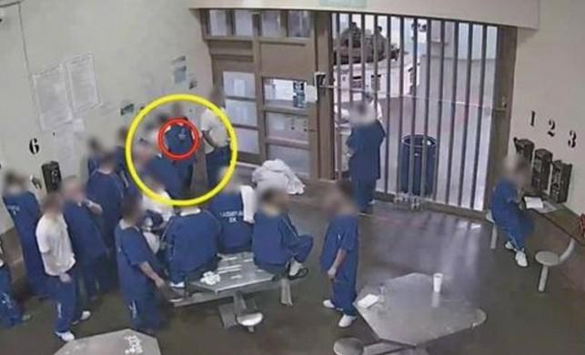 ABD'de inanılmaz olay! 21 mahkum erken tahliye olma umuduyla maske koklayıp koronavirüse yakalandı