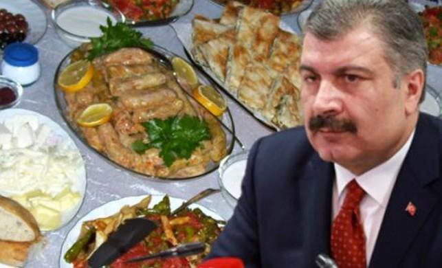 Bakan Koca'nın iftar uyarısı Uşak'ta gerçek oldu! 5 kişi koronavirüse yakalandı...