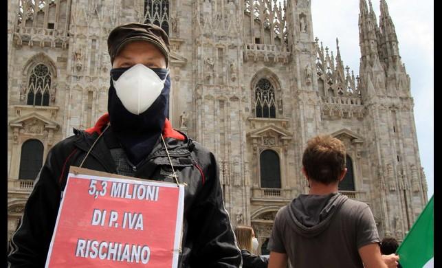 İtalya'da virüs yüzünden toplam ölüm sayısı 31 bin 908 oldu