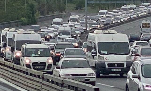 İstanbul'da bu sabah trafik yoğunluğu yüzde 30'ları gördü!