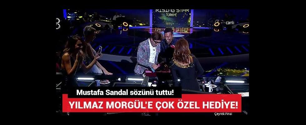 Mustafa Sandal'dan Yılmaz Morgül'e çok özel hediye!