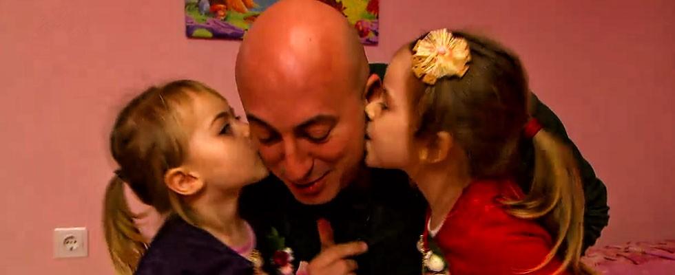 İlayda ve Elisa'dan Selim Yuhay'a teşekkür öpücüğü!