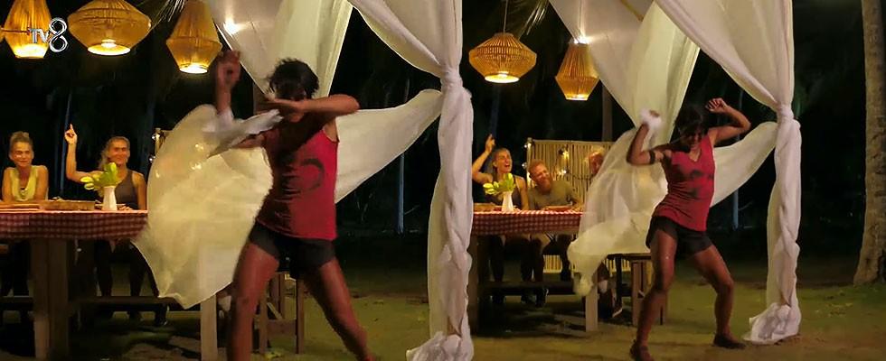 Sabriye'den dans şov!