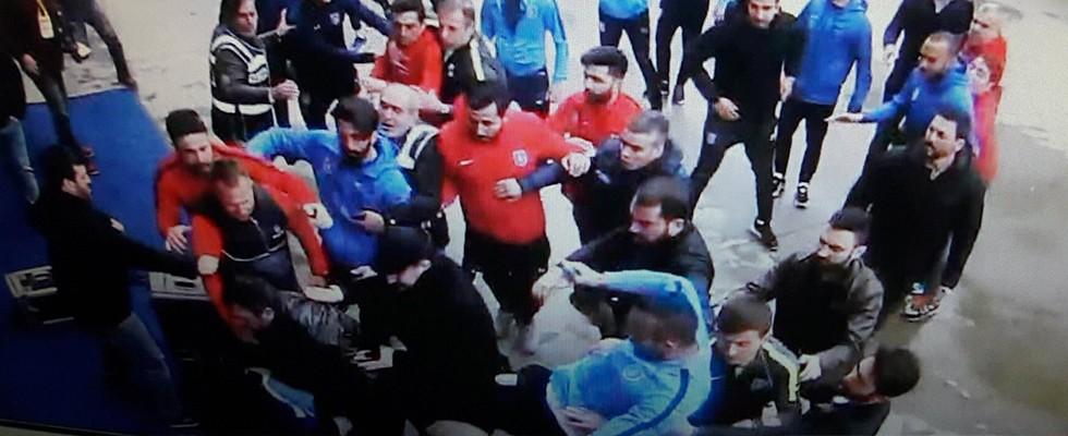 PFDK, Başakşehirli fubolculara ceza yağdırdı!